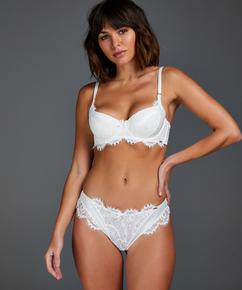 Brasileña Hannako, Blanco