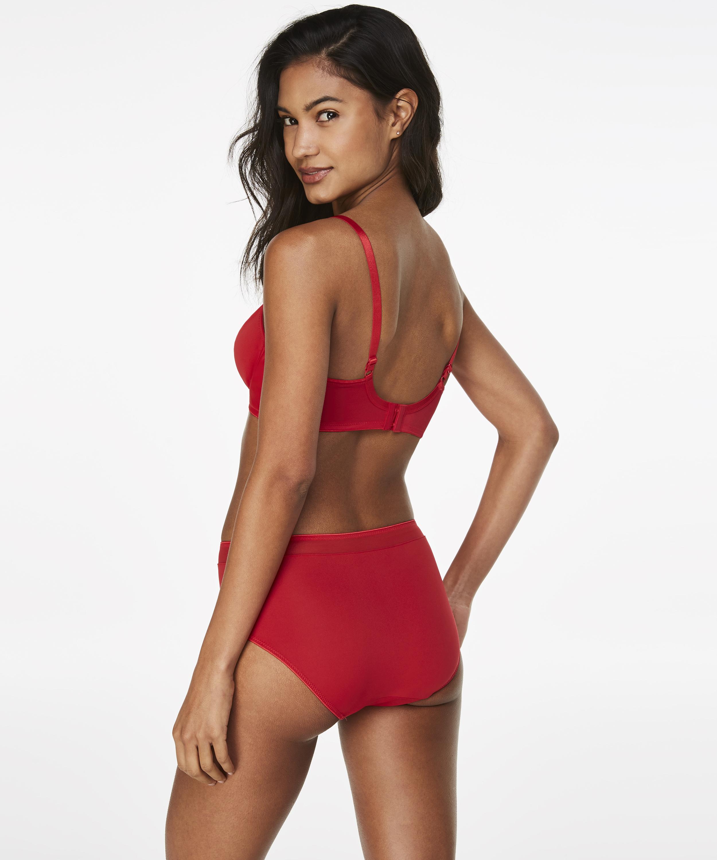 Braguita Nina, Rojo, main