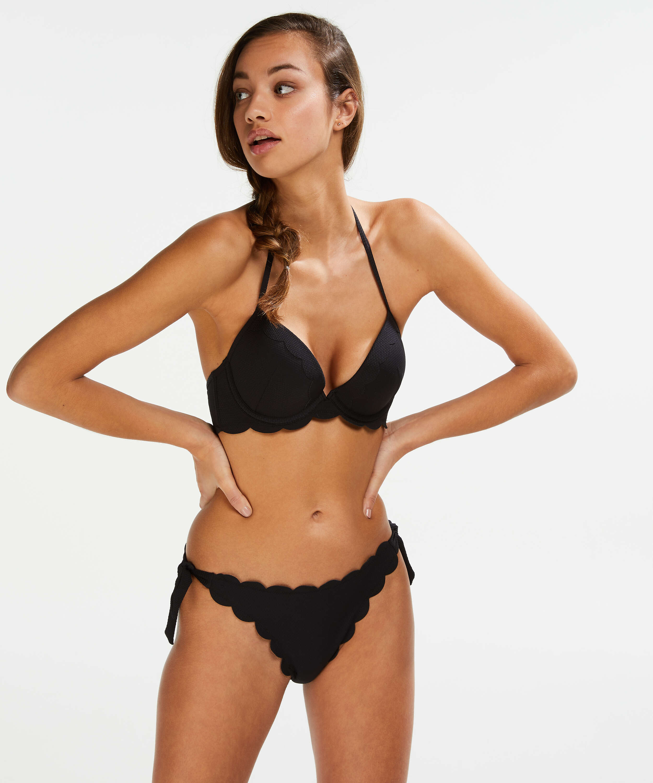 Top de bikini preformado con efecto realce Scallop Copa A - E, Negro, main