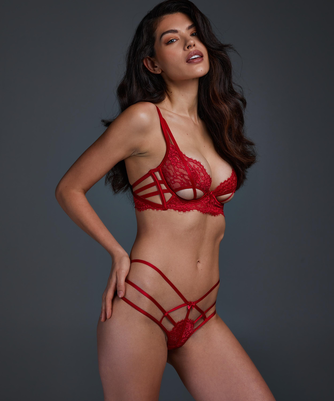 Tanga Evey, Rojo, main