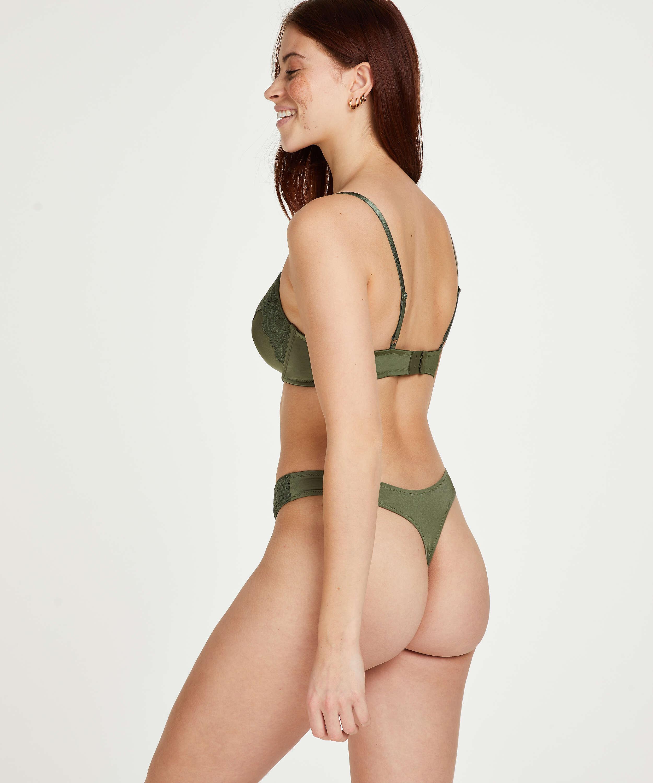 Tanga Gina, Verde, main