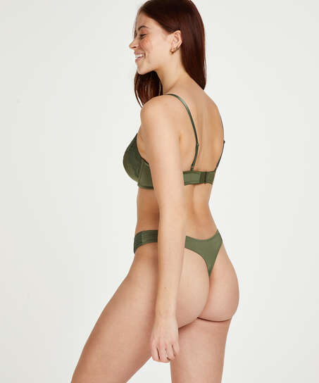 Tanga Gina, Verde