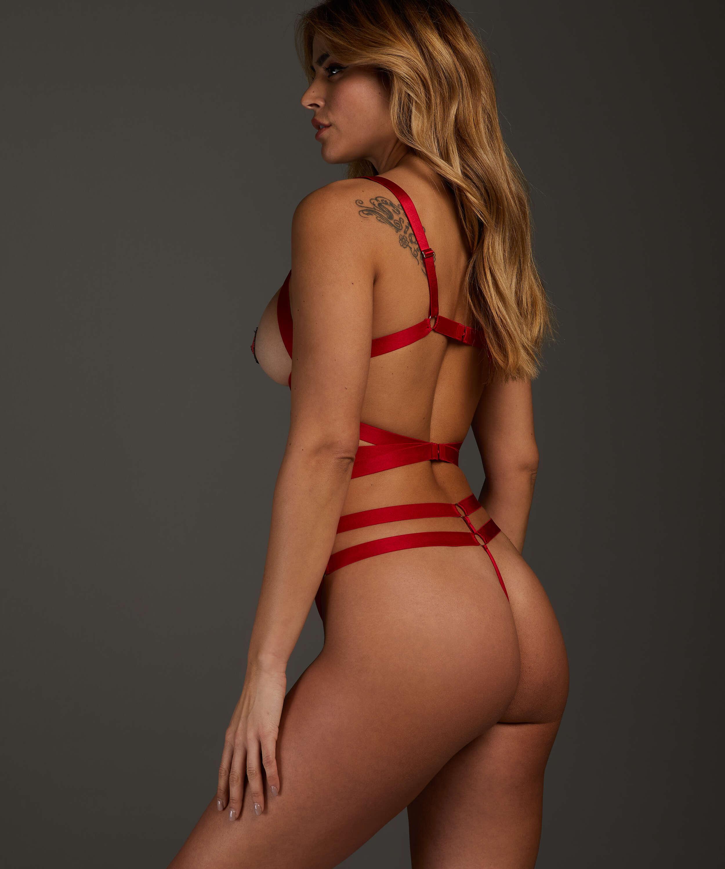Private body Jesse, Rojo, main