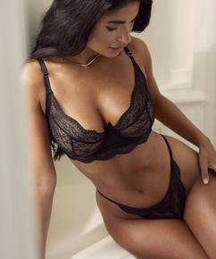 Tanga Isabelle, Negro