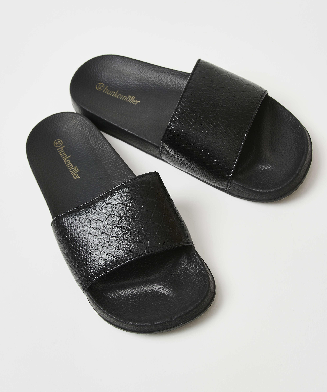 Zapatillas con estampado de serpiente, Negro, main