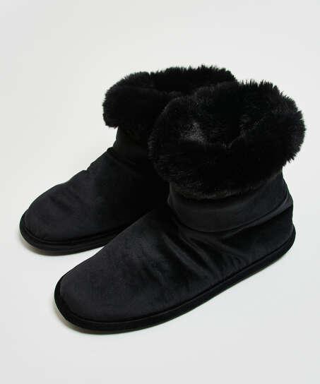 Zapatillas, Negro