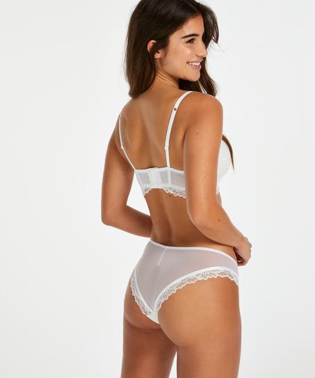 Brasileña Yvonne, Blanco
