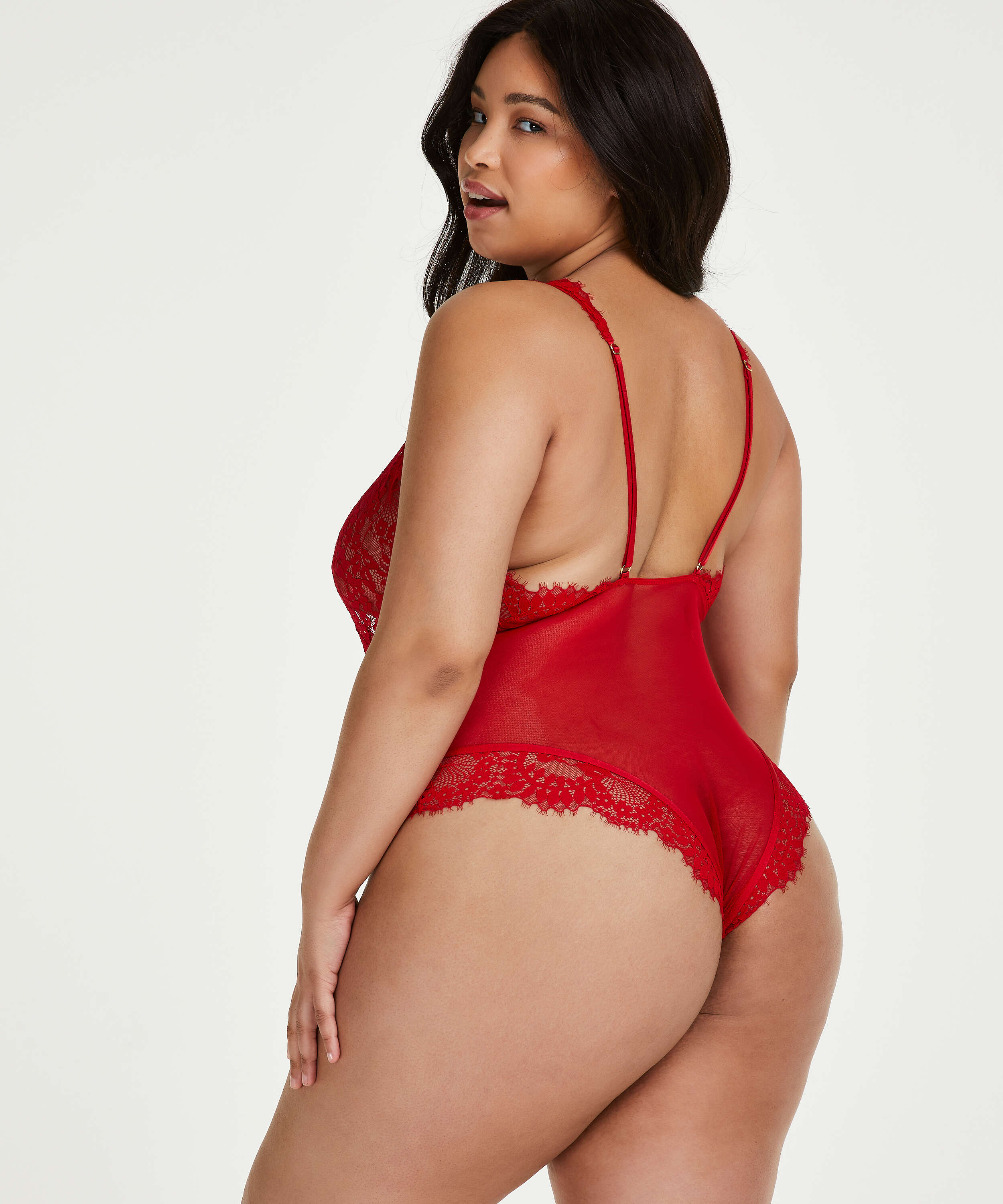 Body Alanis, Rojo, main